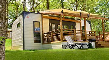 glamping in frankreich eurocamp. Black Bedroom Furniture Sets. Home Design Ideas
